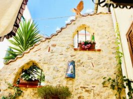 Both Mussomeli in Sicily and Zungoli in Campania are offering bargain homes for sale, and have invested in bilingual real estate agencies to make the buying process a breeze for foreigners.