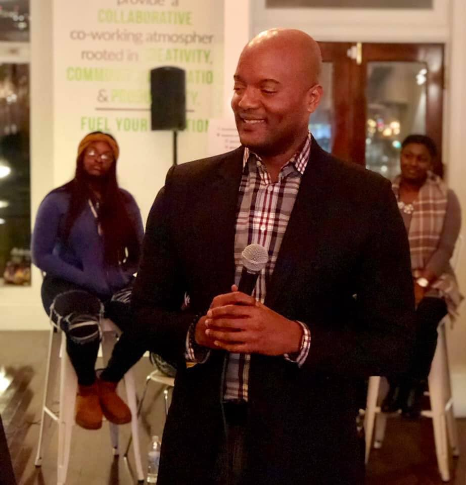 Markeith Braden moderated the conversation about dating in Nashville (Photo by: Jason Luntz)
