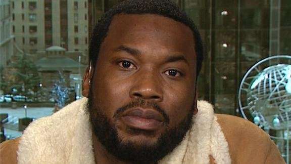 The Cosmopolitan hotel in Las Vegas has issued an apology to rapper Meek Mill after he accused them of being
