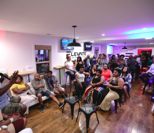Nashville Voice recently hosted a co-ed discussion focused on being single in Nashville at Elevate Cafe in North Nashville. (Photo by: CRoy | Nashville Voice)